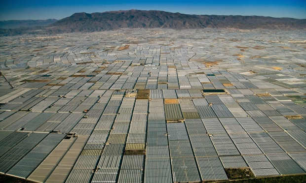 As far as the eye can see, greenhouses cover the landscape in Almeria, Spain | Invernaderos en España