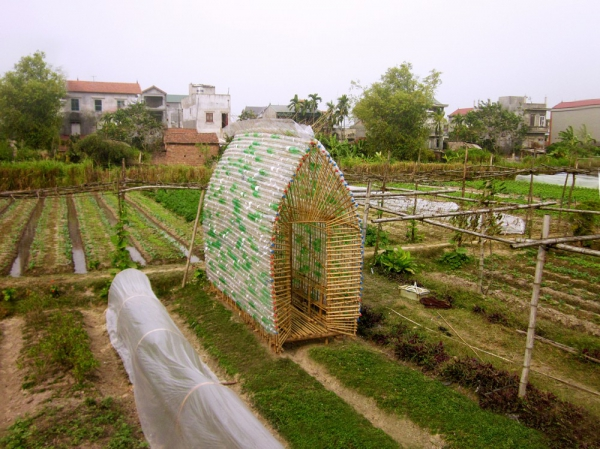 think-sustainable-with-this-vegetable-nursery-house-3