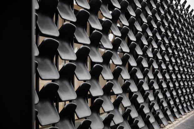 gallery-furniture-chybik-kistof-architecture-retail-czech-republic_dezeen_2364_col_2