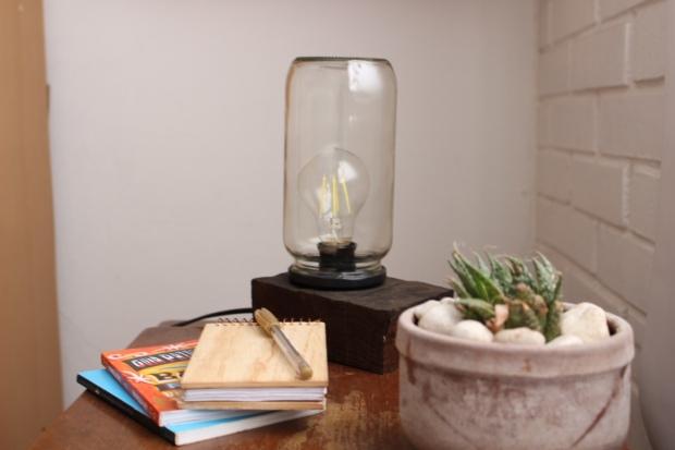 lampara mesa frasco madera convictus (1)